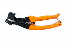 Pliers for attaching tree clips